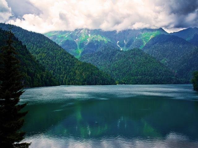 1753 1 s Озеро Рица – высокогорный бриллиант Абхазии
